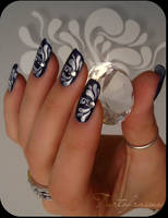 baroque nails by Tartofraises