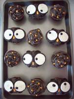 Owl cupcakes by NikkiXKaila