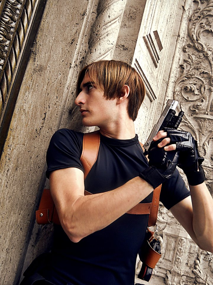 Leon S Kennedy Resident Evil 4 Cosplay By Axelkennedy1993 On