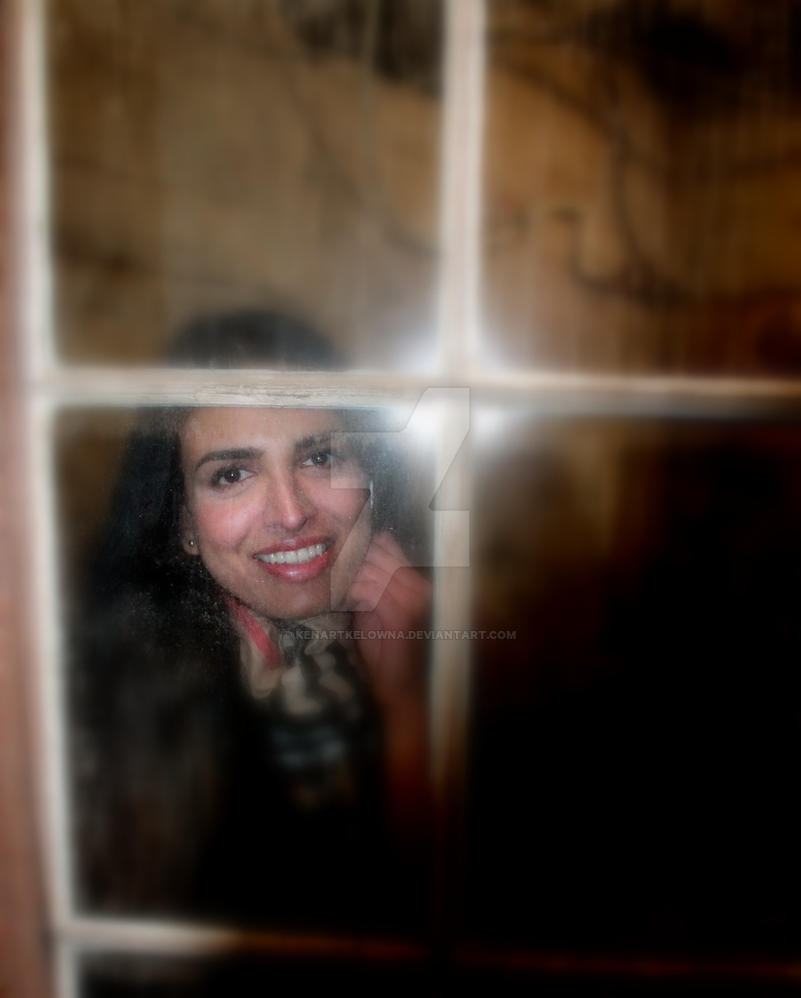peeking by kenartkelowna