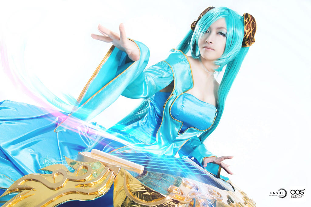 [Cosplay - League of Legends] Sona by nupla