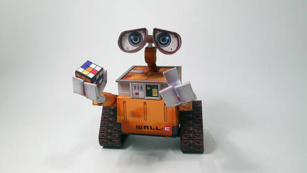 WALL-E by PaperBuilder