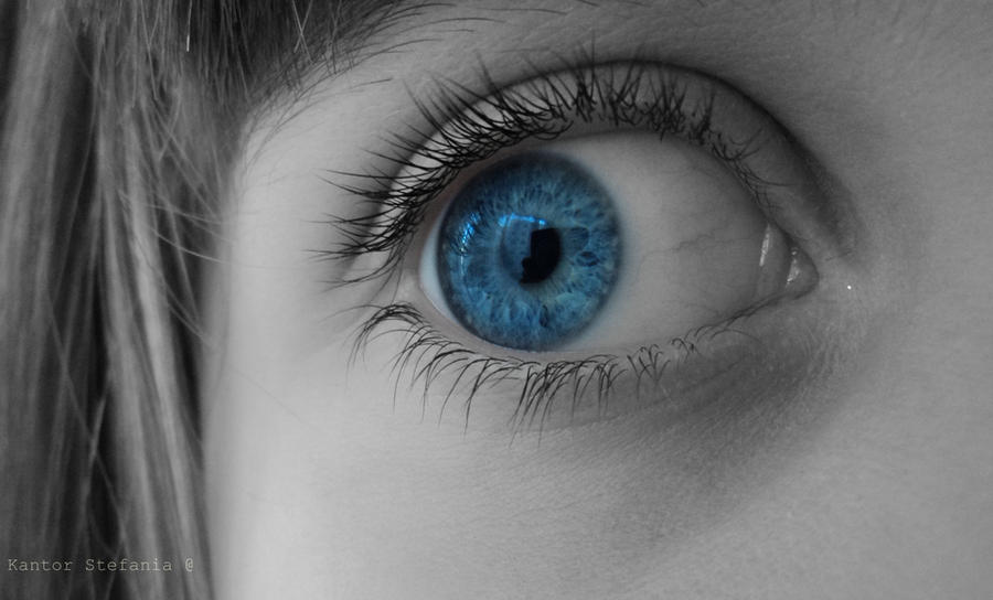 Lovely Blue Eye by MoonGirl07