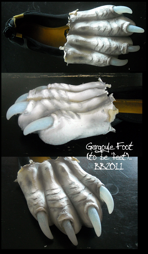 Gargoyle Foot by Magpieb0nes