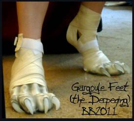 Gargoyle feet again by Magpieb0nes
