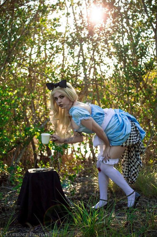 Alice in Trippyland VIII by VisceralScreams