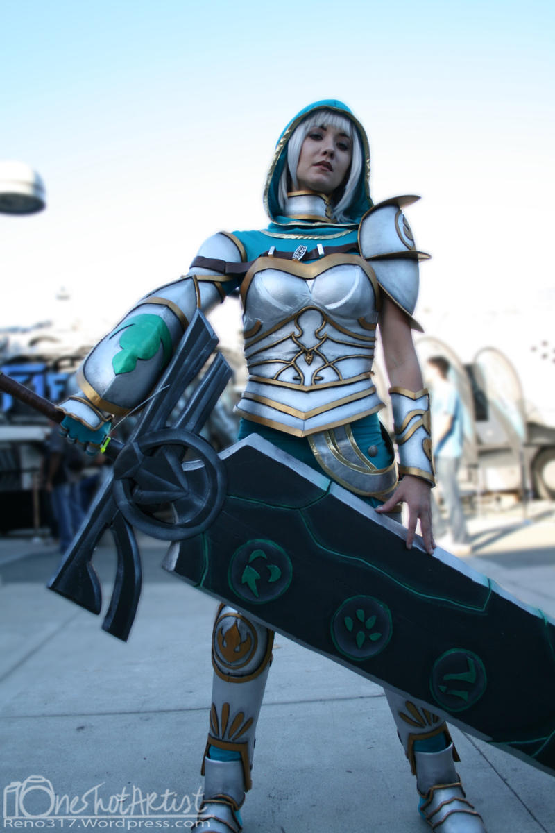Redeemed Riven Cosplay 1 by OneShotArtist