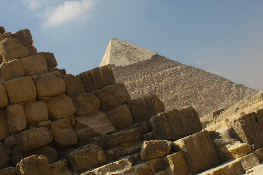 Giza Pyramids by EduGanster