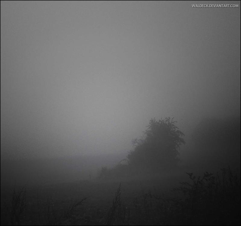 Die eisige Morra im Nebel by Waldeck