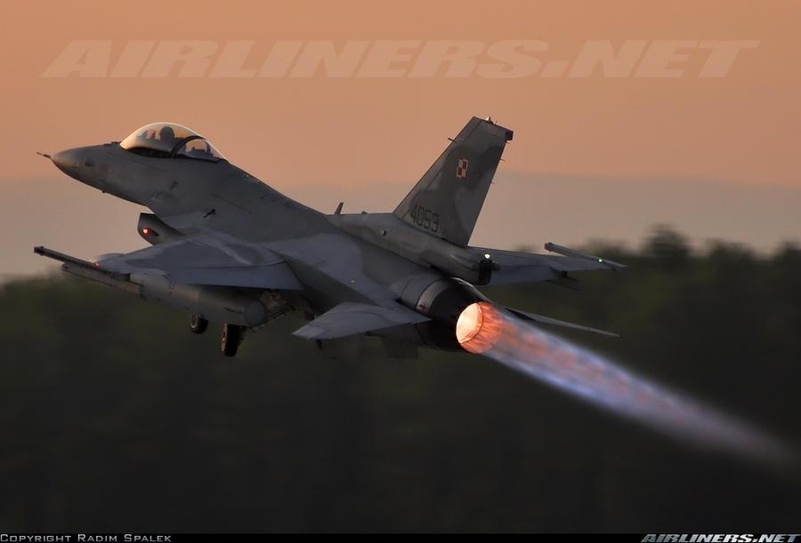 ELI5 Why Does A Jet Engine Afterburner Produce Visible Vertical