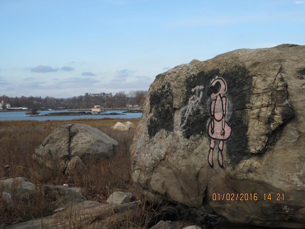 Graffiti in the Bronx by m0x1eg1rl