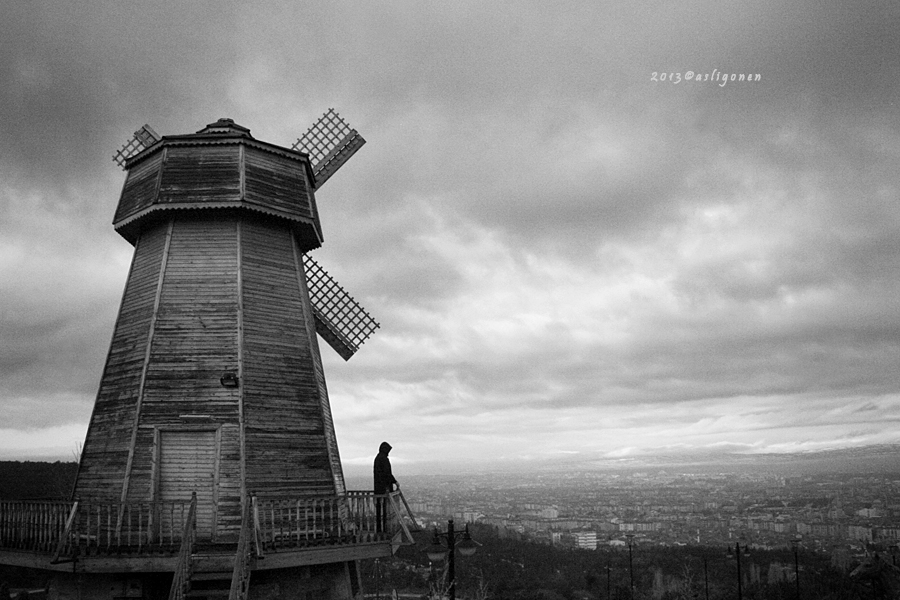 windmill by pigarot