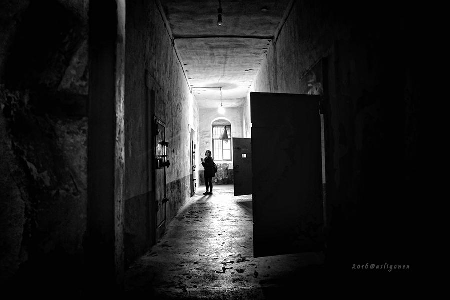 Corridor by pigarot