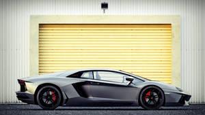 Lamborghini Aventador Side View