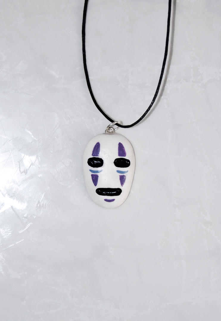 No-face pendant by Ragamuffyn