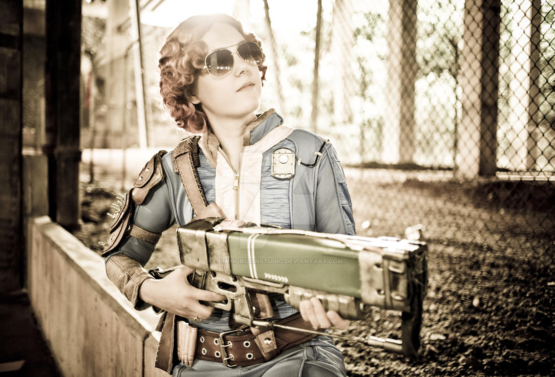 The Vault Dweller at MomoCon 2016 - IV by DimHorizonStudio