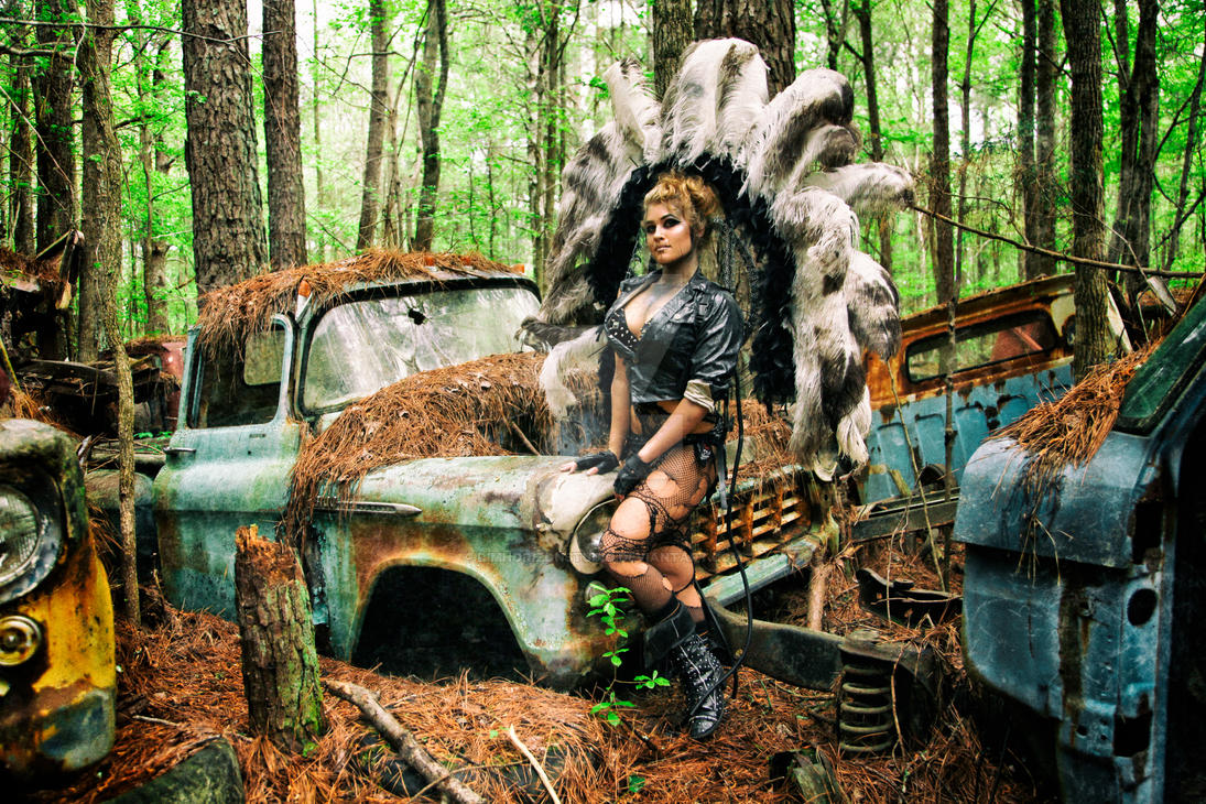 Nikki Nuke\'m at Old Car City USA - I by DimHorizonStudio on DeviantArt
