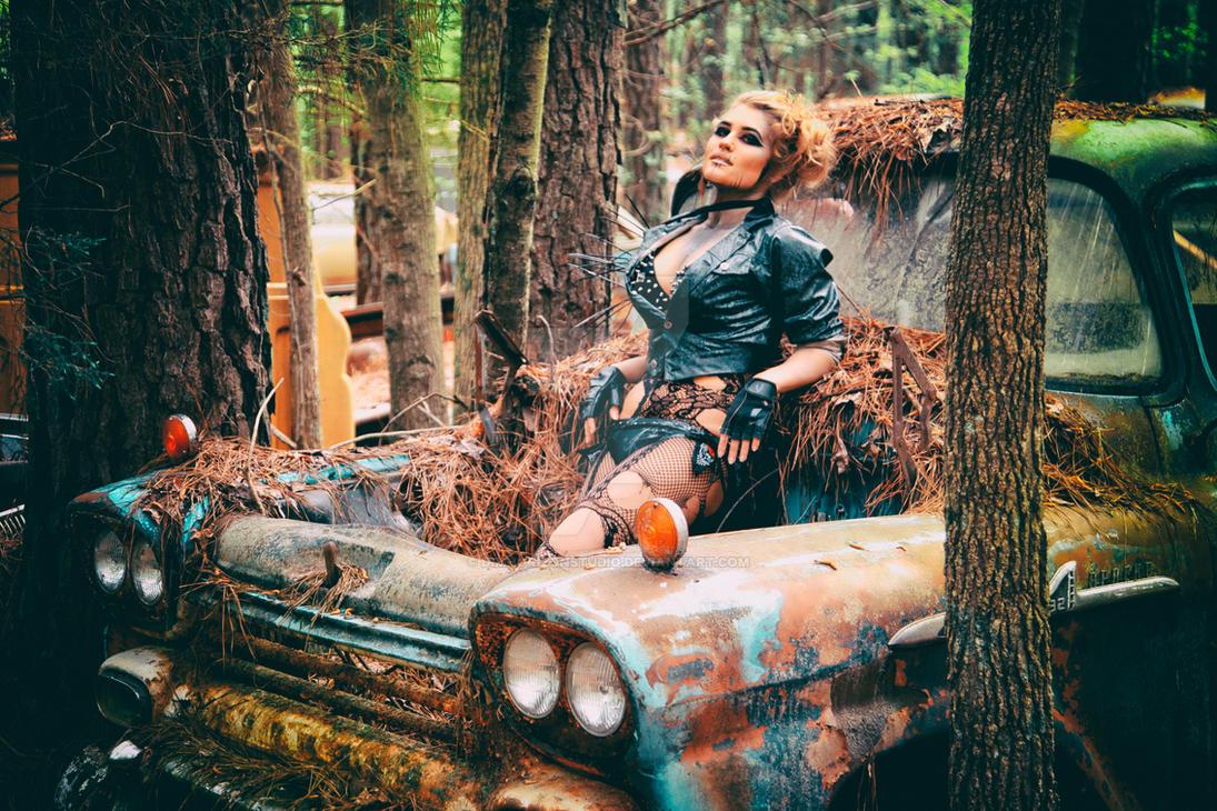 Nikki Nuke\'m at Old Car City USA - III by DimHorizonStudio on DeviantArt