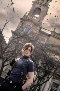 Leon Kennedy Cosplay - Resident Evil 4