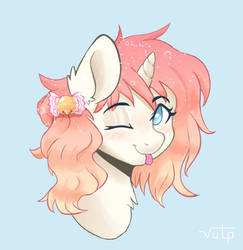 Wink (Commission) by Vulpessentia