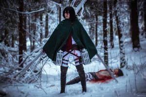 Winter cosplay: Mikasa and Eren