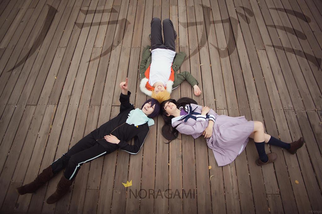 http://fc04.deviantart.net/fs71/i/2014/195/b/c/noragami__yato__yukine__hiyori_by_tovarish_n-d7qnc9r.jpg