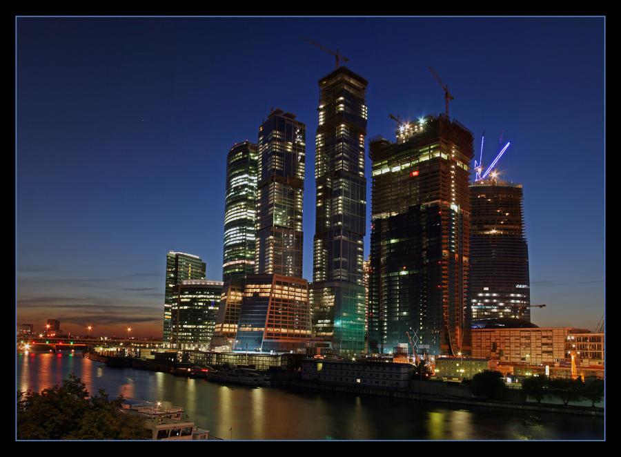 http://fc54.deviantart.com/fs37/i/2008/273/d/8/Moscow_City_4_by_Sarumian3000.jpg