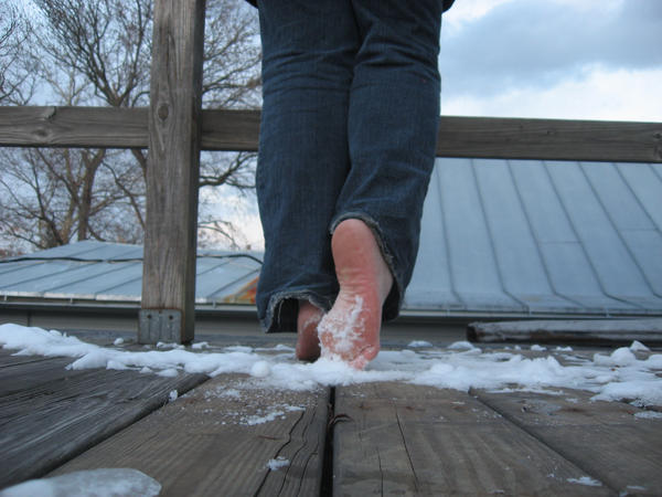 ::Cold Feet:: by Known-to-bite