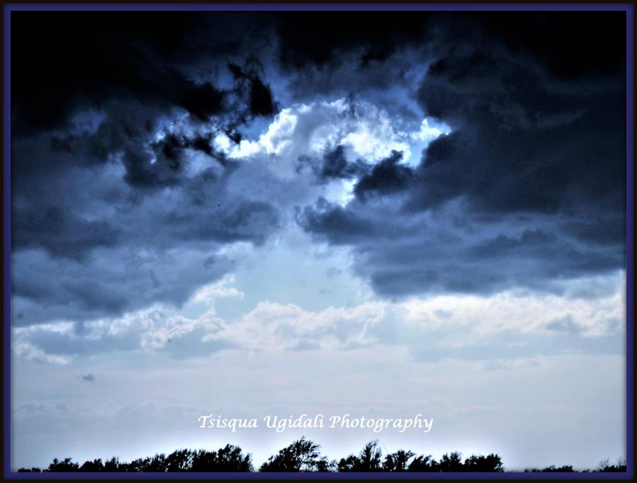 Thunder Rolls 3 by Tsisqua-Ugidali