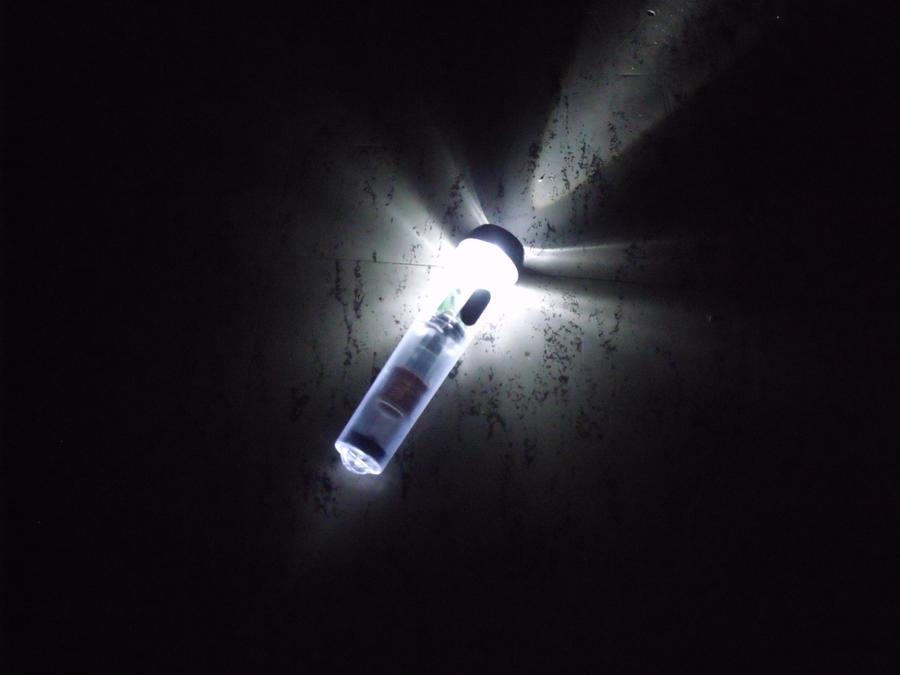 Glowing FlashLight by VitaPiscana
