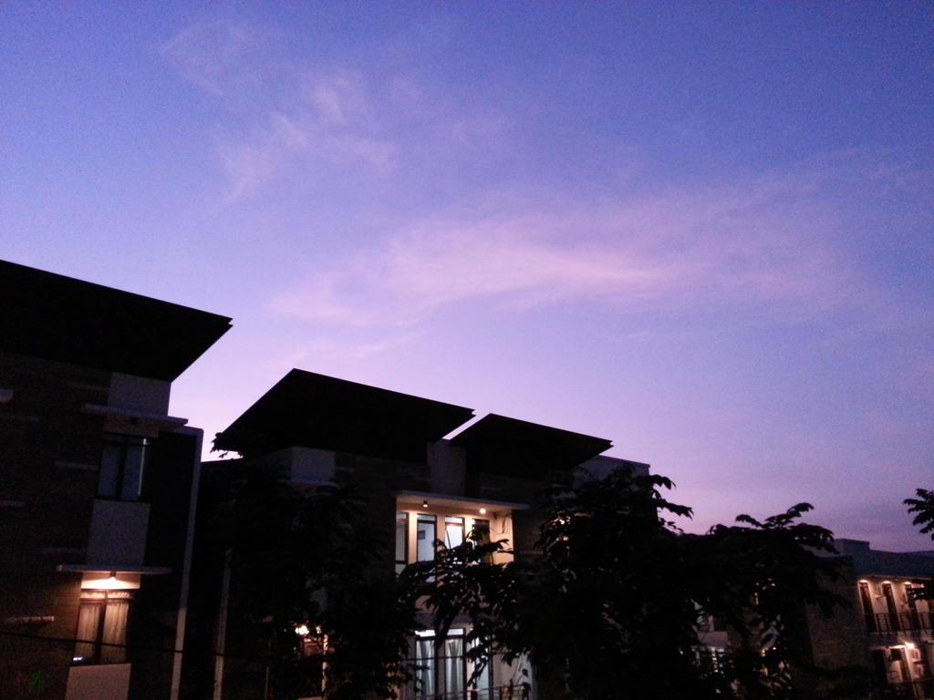 Dawn at Studento by GreenMustika321