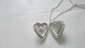 Silver heart necklace 3