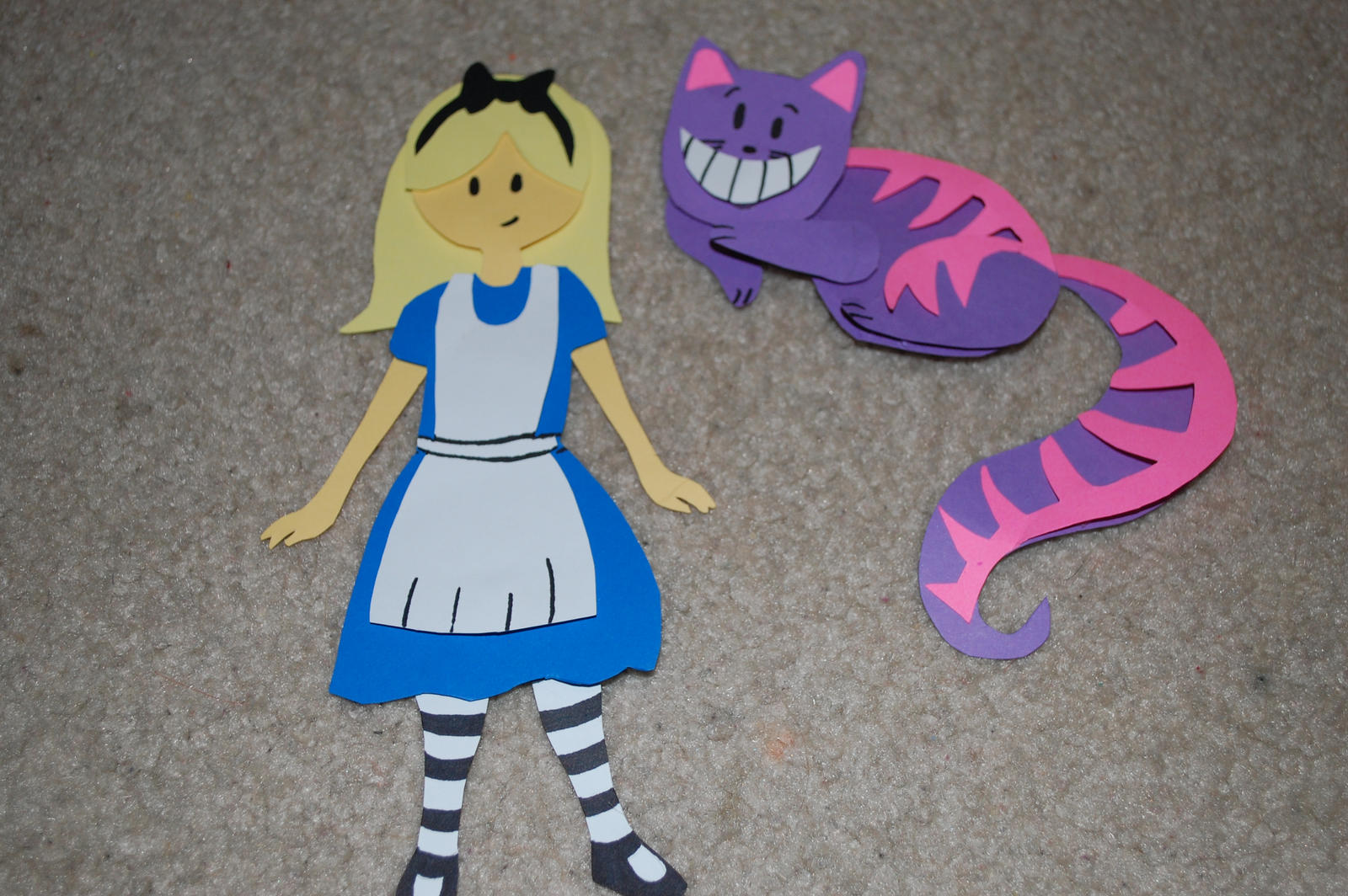 Alice in wonderland papercraft by kisses1991 on deviantart Alice and wonderland art projects