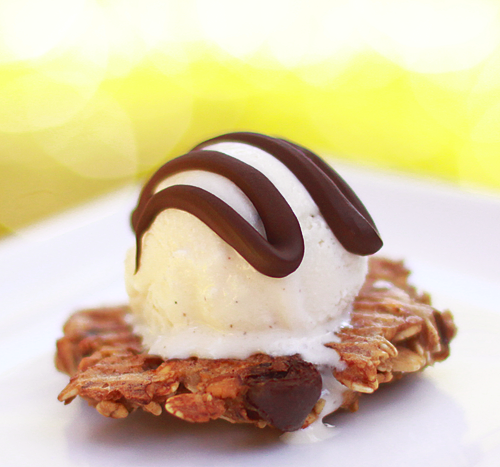 Three Ingredient Banana Cookies by chompsoflife
