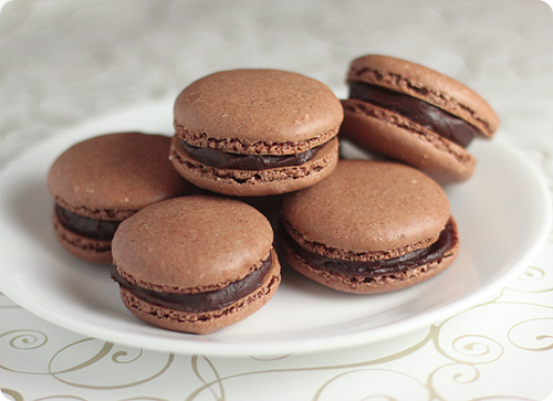 chocolate macaron from recipe chocolate macarons chocolate macarons ...