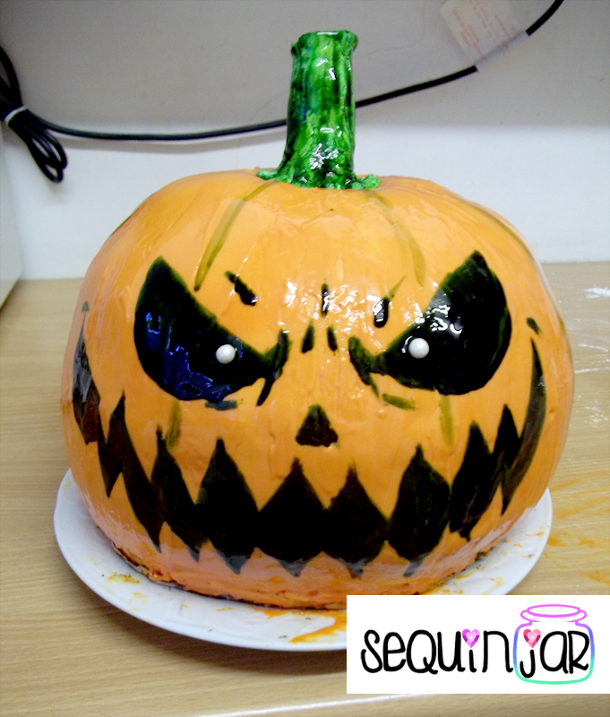 Halloween pumpkin cake by sequinjar