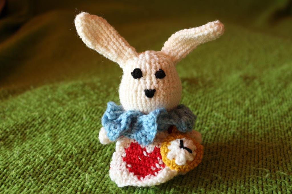 White rabbit amigurumi by Little-Vampire