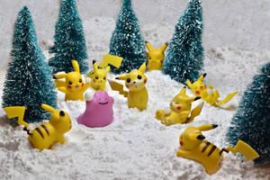 snowball fight!  by Bimmi1111