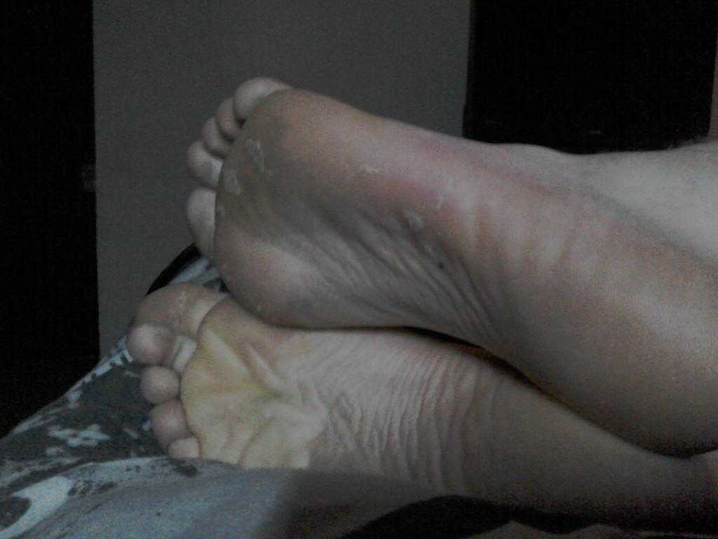Feet 3 by schrofan111