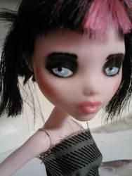 Chloe by mikayla-matter