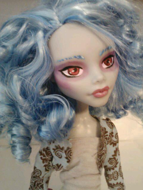 Ghoulia Repaint by mikayla-matter