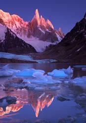Crimson Crags. Cerro Torre, Patagonia