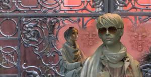 detail Lady Larissa's bodyguard