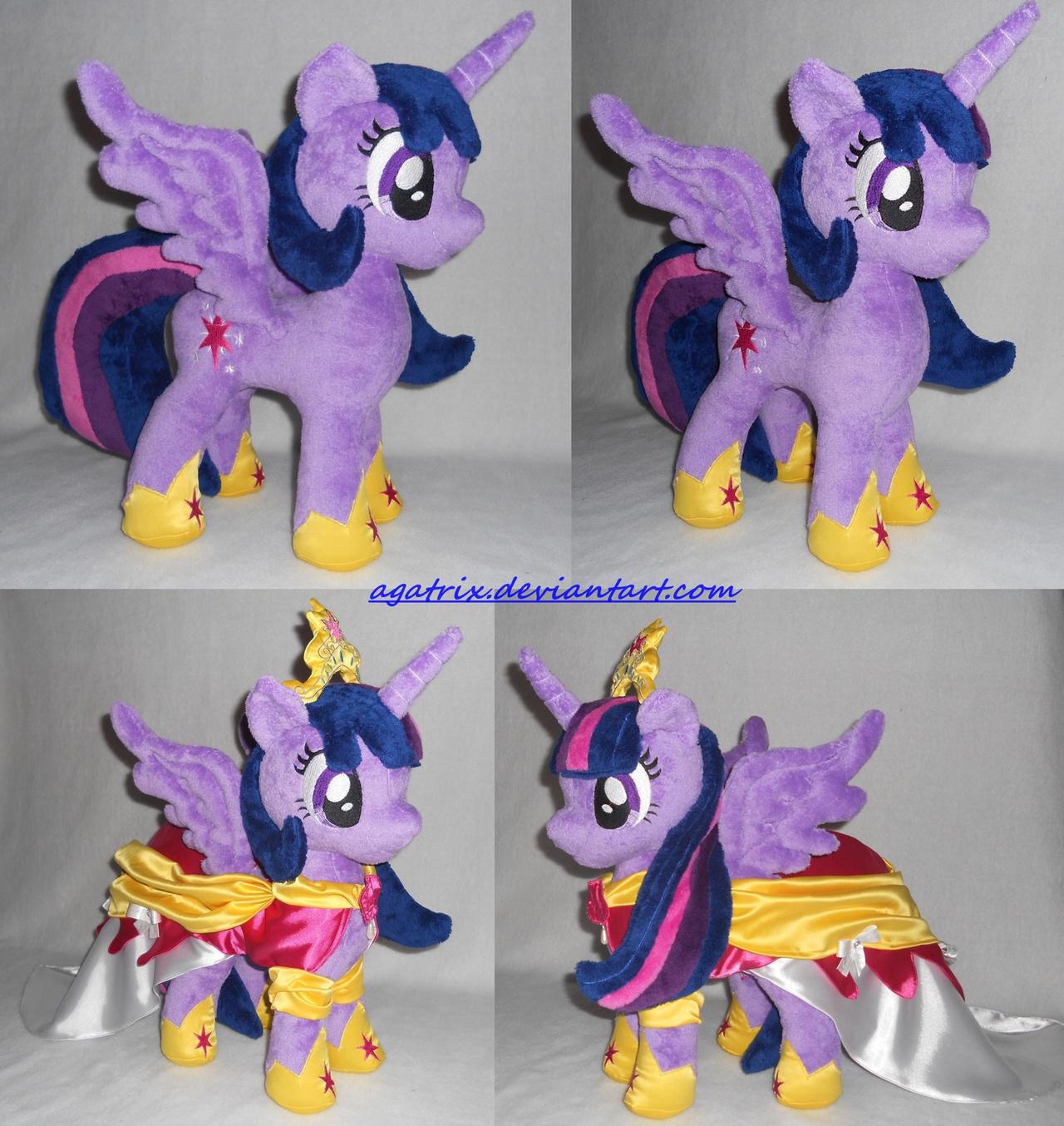 Alicorn Princess Twilight (The Coronation dress) by agatrix