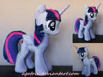 Alicorn Twilight Sparkle (folded wings)