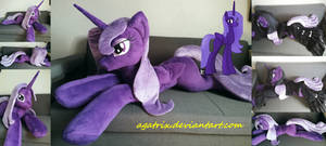 <b>Life Size (laying Down) Lacunae Plush</b><br><i>agatrix</i>
