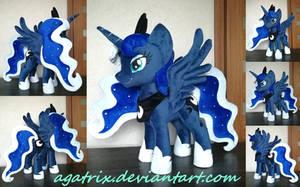 <b>Princess Luna Plush</b><br><i>agatrix</i>