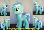 Lyra plush