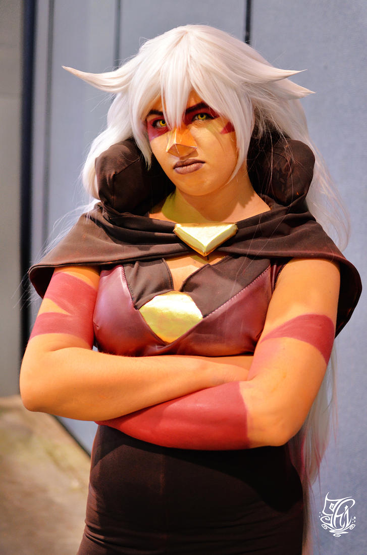 A finally debuted my Jasper <3  Me as Jasper from Steven Universe Photo by Vitor Silveira Photography Wig by nanashi My facebook page!