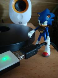 Hold on Sonic ... by Sega-Club-Tikal